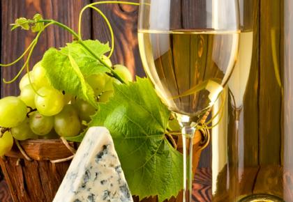 White Wine and Cheese Pairing